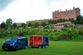 NiBS help take the cubs to Powis Castle